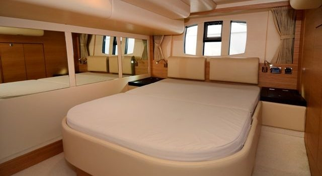 Fairline-Phantom-48-Motoryacht-Barcoibiza-6