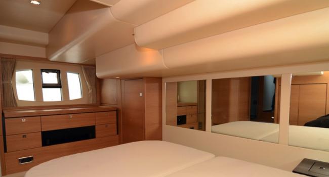 Fairline Phantom 48 Upanddown Ibiza Yacht Charter Barcoibiza Master Cabin