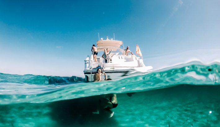 ¿Cómo alquilar un barco en Ibiza? 15 consejos para elegir con éxito