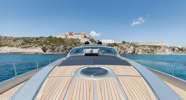 Pershing-72-S-Yacht-Ibiza-Barcoibiza-10
