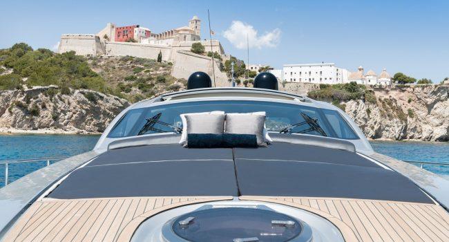 Pershing-72-S-Yacht-Ibiza-Barcoibiza-9