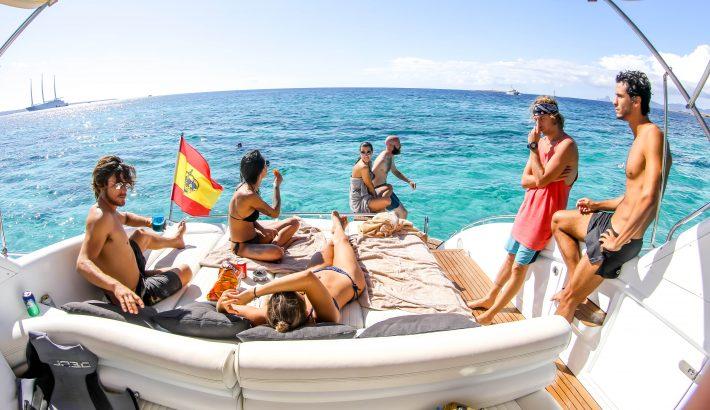 El mejor plan de cumpleaños. Un día en barco en Ibiza y Formentera
