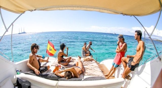 Princess-V55-Yacht-Ibiza-Barcoibiza-Low-Res-12