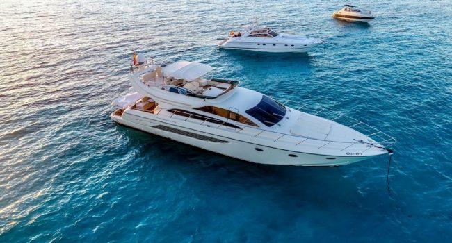 Riva-Dolce-Vita-70-CoolBoy-Ibiza-Yacht-Rental