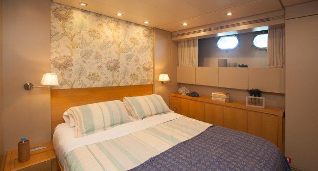 San-Lorenzo-82-yacht-charter-Ibiza-Gota-VIP