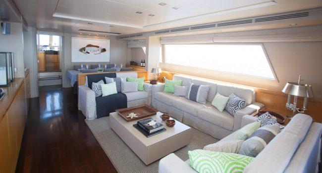 San-Lorenzo-82-yacht-charter-Ibiza-Gota-salon