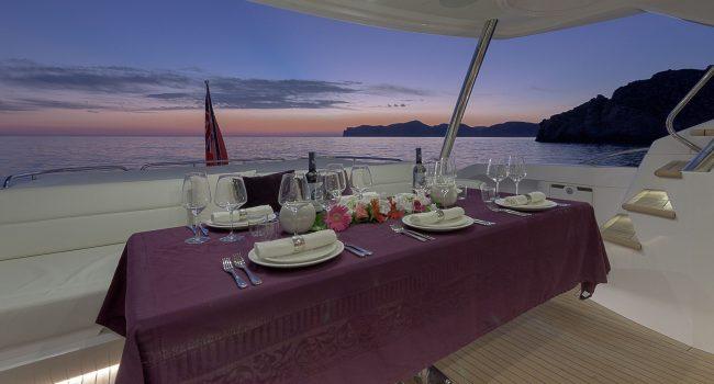 Sunseeker-80-Sport-Super-Yacht-Mallorca-Ibiza-3