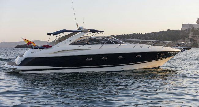 Sunseeker-Camargue-50-S-Yacht-DayCharter-Ibiza-6