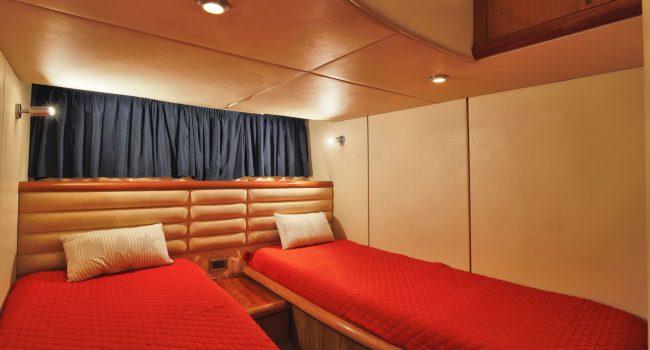 Sunseeker-Camargue-50-S-Yacht-DayCharter-Ibiza-8