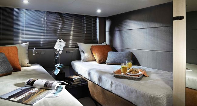 Sunseeker Portofino 40 Bear Barco Alquiler Ibiza Yacht Rental Barcoibiza Twin Cabin