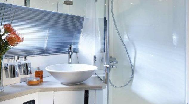 Sunseeker Portofino 40 Bear Barco Alquiler Ibiza Yacht Rental Barcoibiza Bathroom