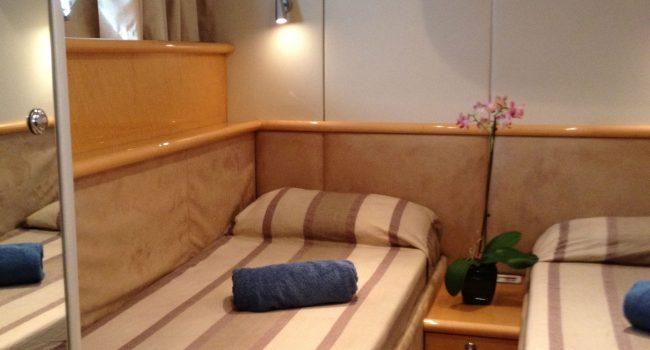 Sunseeker-Predator-58W-Ibiza-Yacht-Barcoibiza-20