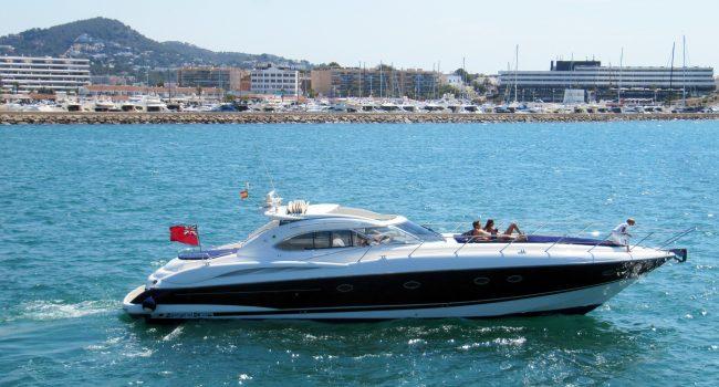 Sunseeker-Predator-60-PI-Yacht-Ibiza-Boat-Rental-2