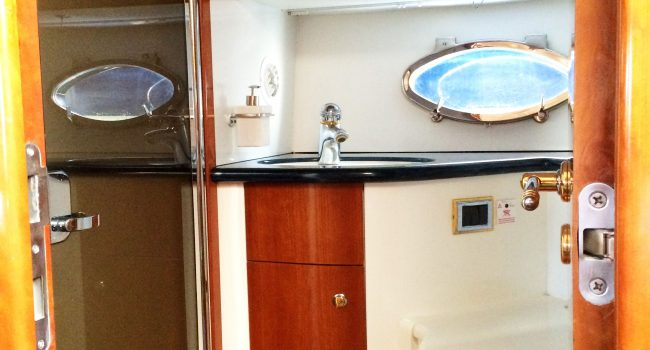 Sunseeker-Predator-60-PI-Yacht-Ibiza-Boat-Rental-7