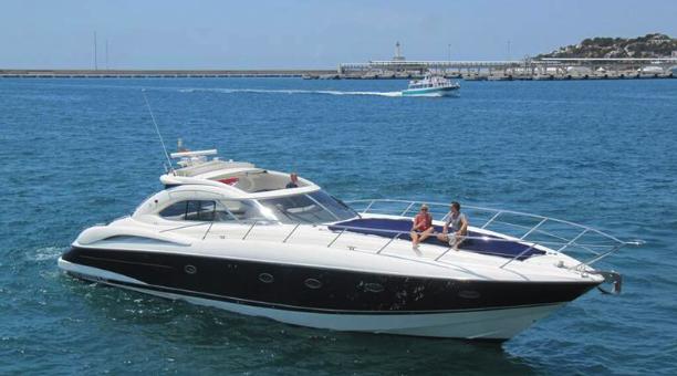 Sunseeker-Predator-61-Ibiza-Yacht-Rental-Barcoibiza-2