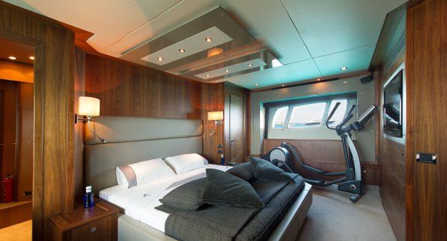 Sunseeker-Predator-84-A-Ibiza-Super-Yacht-12