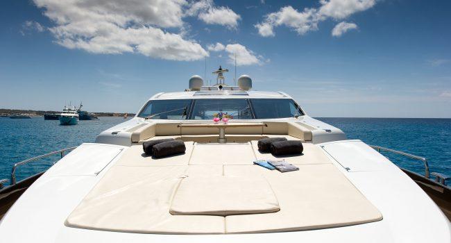 Sunseeker-Predator-84-A-Ibiza-Super-Yacht-2