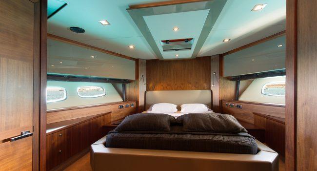 Sunseeker-Predator-84-A-Ibiza-Super-Yacht-9