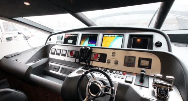 Sunseeker-Predator-92-U-Super-Yacht-Ibiza-Barco-Rental-14
