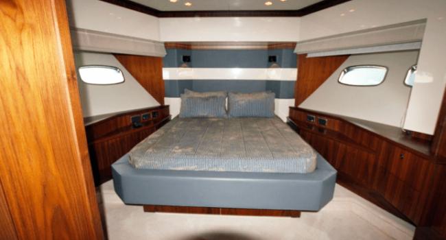Sunseeker-Predator-92-U-Super-Yacht-Ibiza-Barco-Rental-18