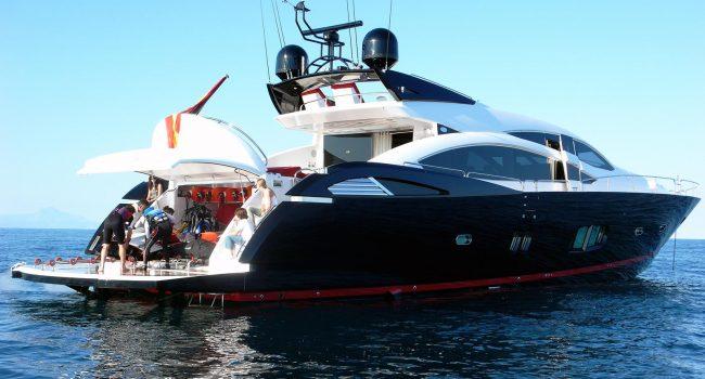 Sunseeker-Predator-92-U-Super-Yacht-Ibiza-Barco-Rental-22