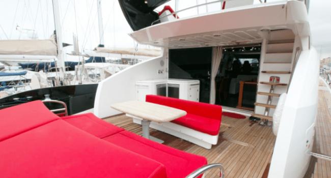 Sunseeker-Predator-92-U-Super-Yacht-Ibiza-Barco-Rental-7