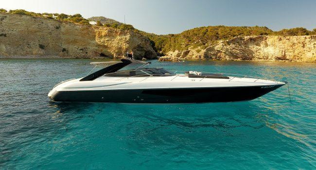 Sunseeker Superhawk 48 007 Ibiza Fast Boat Ibiza Rental con Barcoibiza.com