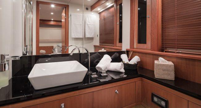 Sunseeker Yacht 27M-19