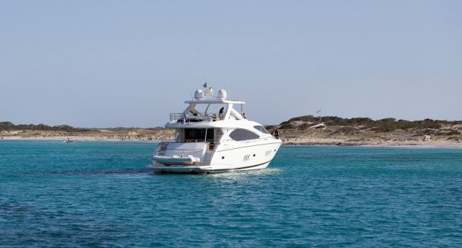 Sunseeker Yacht 27M Exterior No Name 02