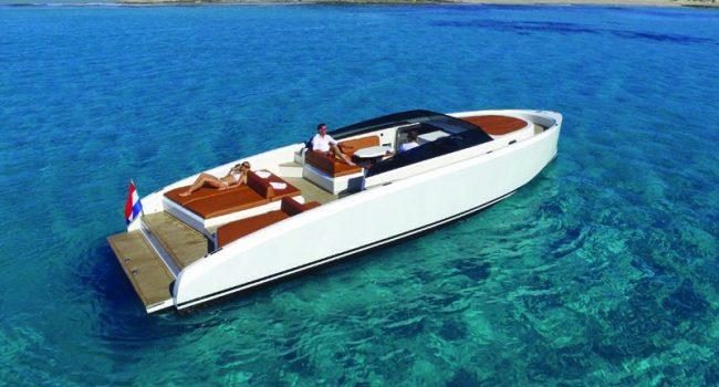 Vanquish-VQ-43-Dutchess-Ibiza-Yacht-Rental