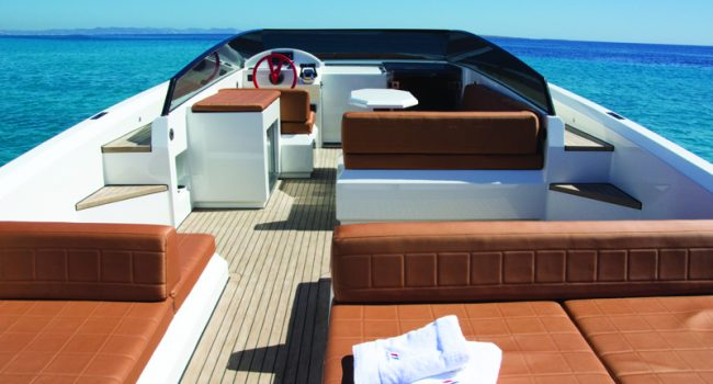 Vanquish-VQ-43-Dutchess-Ibiza-Yacht-Rental-5