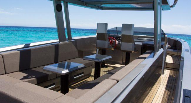 Vanquish-VQ-48-DC-Ibiza-Yacht-Rental-Boat-10
