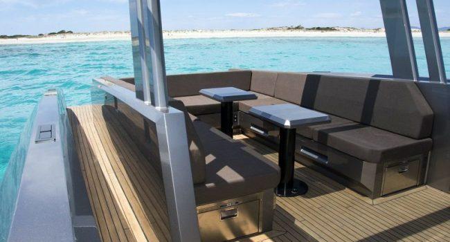 Vanquish-VQ-48-DC-Ibiza-Yacht-Rental-Boat-11