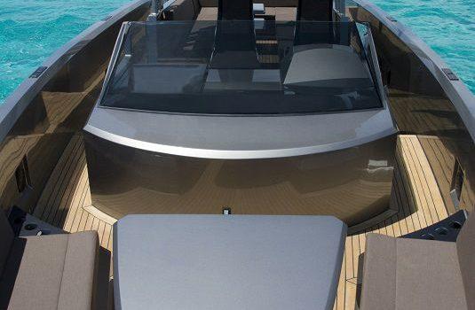 Vanquish-VQ-48-DC-Ibiza-Yacht-Rental-Boat-13