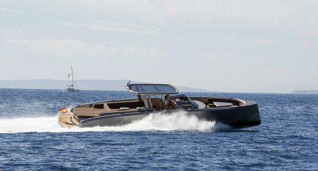 Vanquish-VQ-48-DC-Ibiza-Yacht-Rental-Boat-2