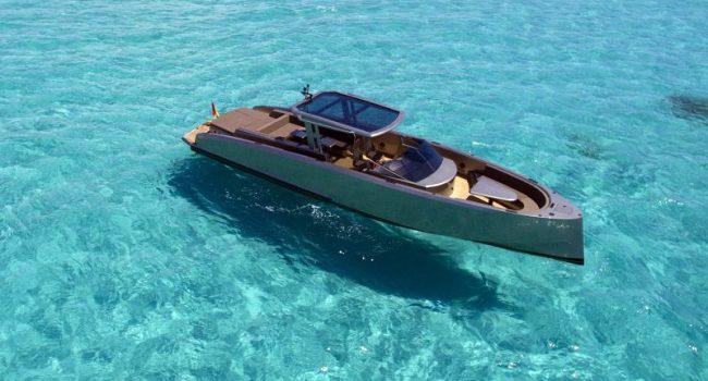 Vanquish VQ 48 DC Casa Atlantis Ibiza Yacht Rental en Barcoibiza.com