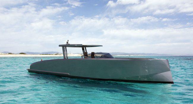 Vanquish-VQ-48-DC-Ibiza-Yacht-Rental-Boat-6