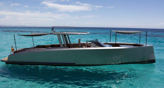 Vanquish-VQ-48-DC-Ibiza-Yacht-Rental-Boat-8