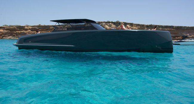 Vanquish-VQ-48-LT-Yacht-New-Ibiza-Barcoibiza-13