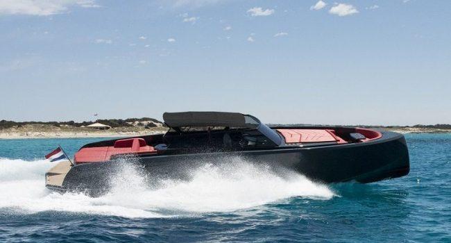 Yate Vanquish VQ 48 Lady Thunder de alquiler en Ibiza para Day Charter con Barcoibiza.com