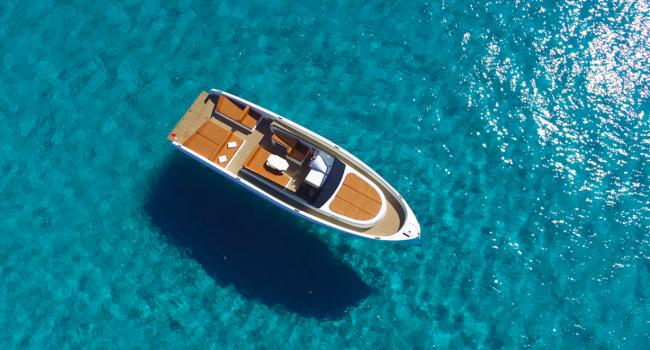 Vanquish-VQ43-Dutchess-Ibiza-Alquiler-Yacht-Barcoibiza