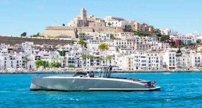 Vanquish VQ48 Casa Atlantis Ibiza Yacht Barco Rental Barcoibiza