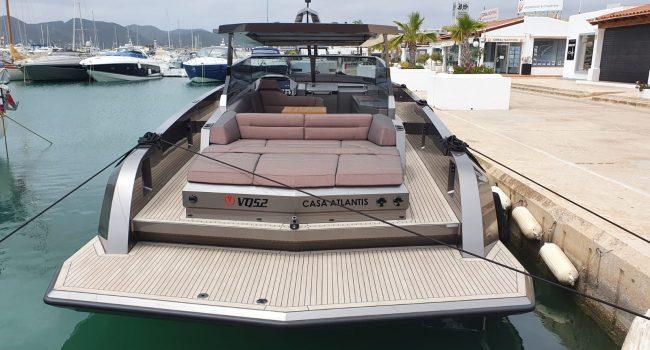 Vanquish VQ52 Casa Atlantis Alquiler Ibiza-3