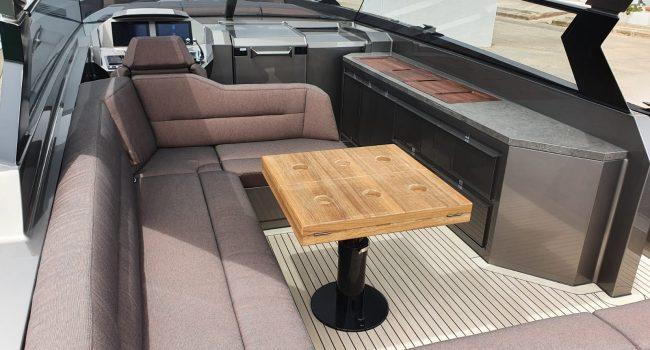 Vanquish VQ52 Casa Atlantis Alquiler Ibiza-4