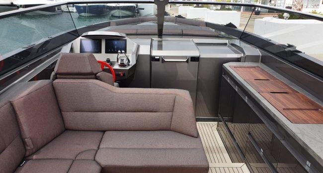 Vanquish VQ52 Casa Atlantis Alquiler Ibiza-5
