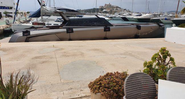Vanquish VQ52 Casa Atlantis Alquiler Ibiza-8
