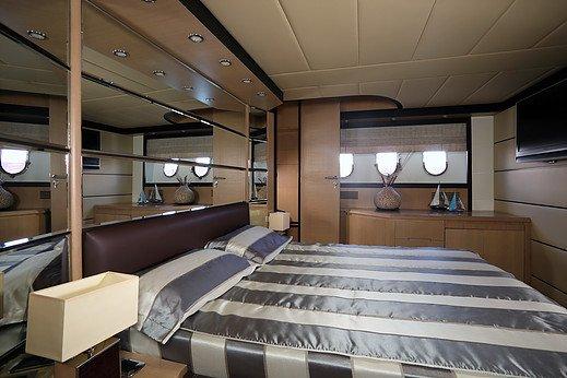 Yate Astondoa 66 GLX Flybridge Pitiusas Dream San Antonio Ibiza Barcoibiza-5