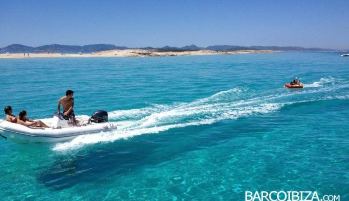 Rent a boat in Ibiza at Easter