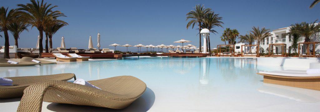 Hotel-Destino-Ibiza-Piscina