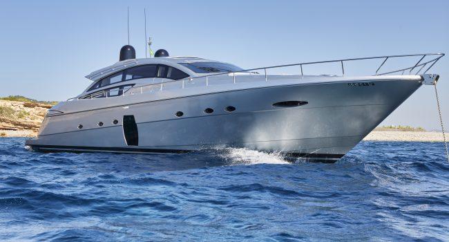 Pershing 72 Lengendary Ibiza Yacht Charter Barcoibiza